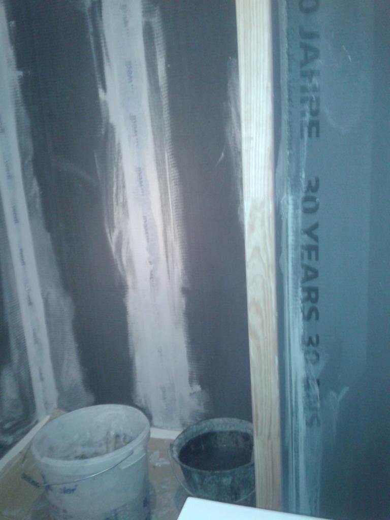 Pose de panneaux à carreler Wedi en polystyrène extrudé