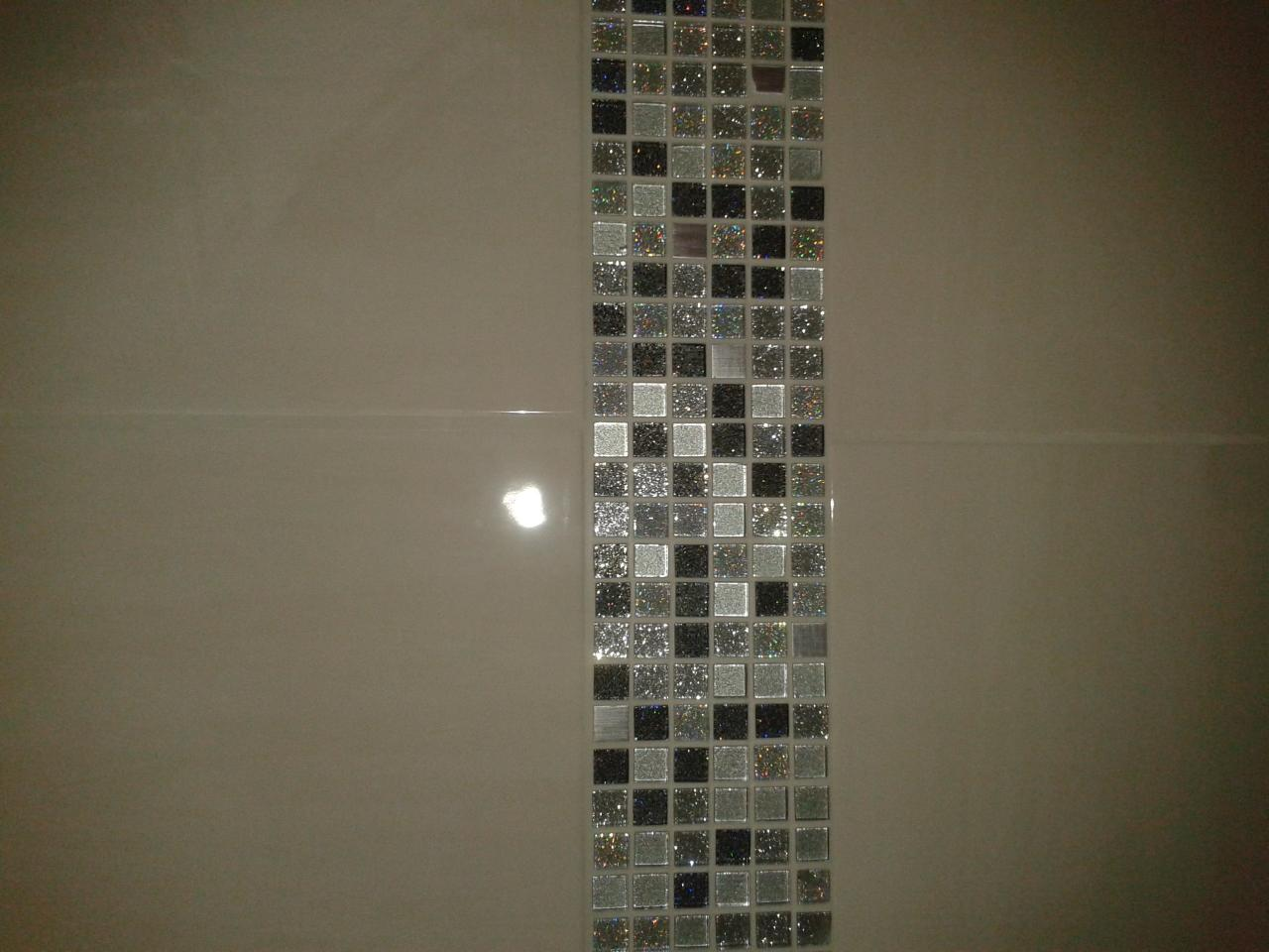 Comment faire une mosaique en carrelage maison design for Mosaique salle de bain italienne