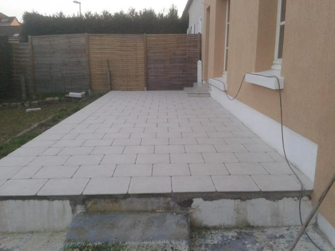 Terrasse carrel e sur dalle b ton for Pose carrelage exterieur sur chape