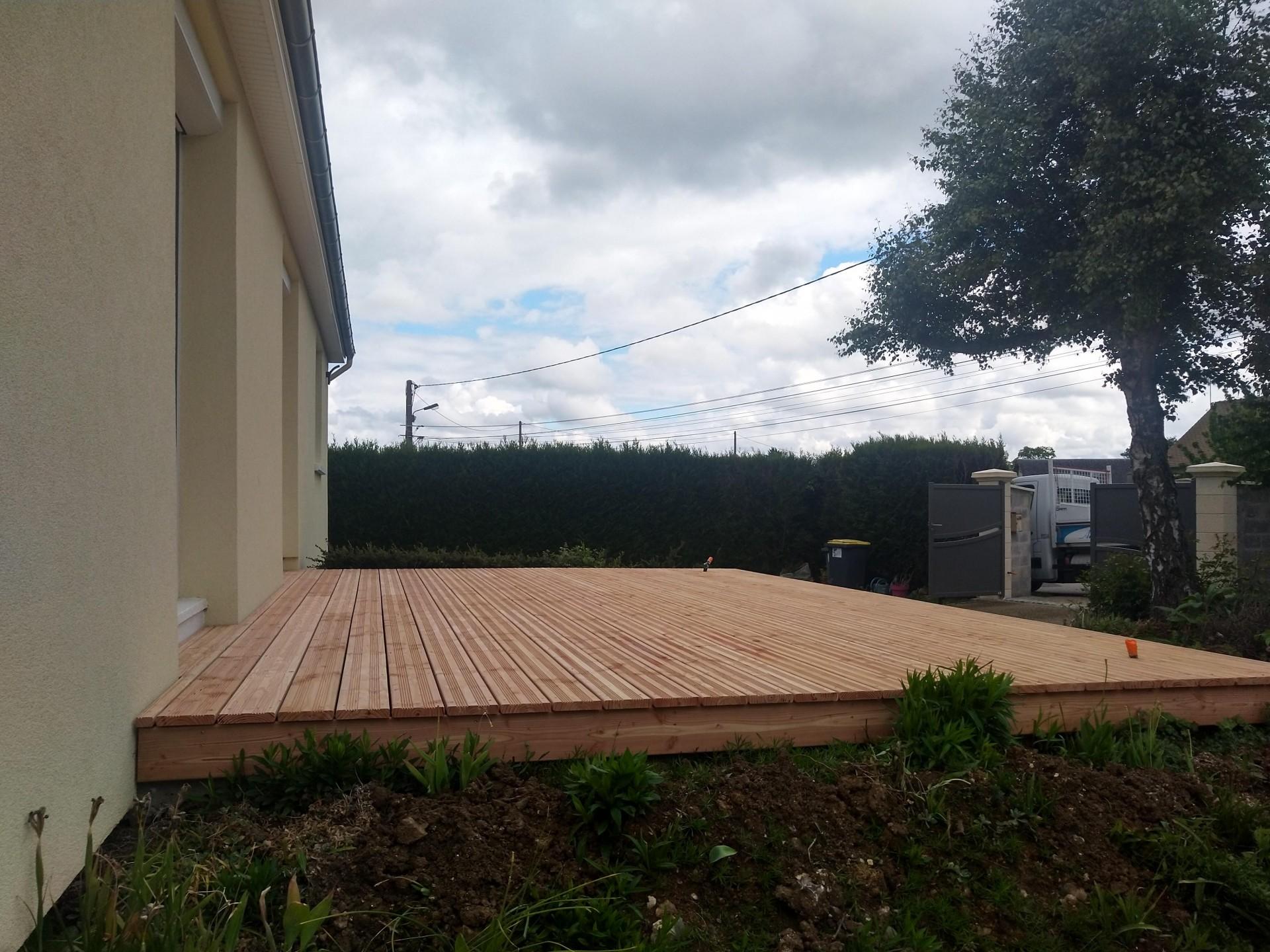 Terrasse en bois qualité supérieure en douglas