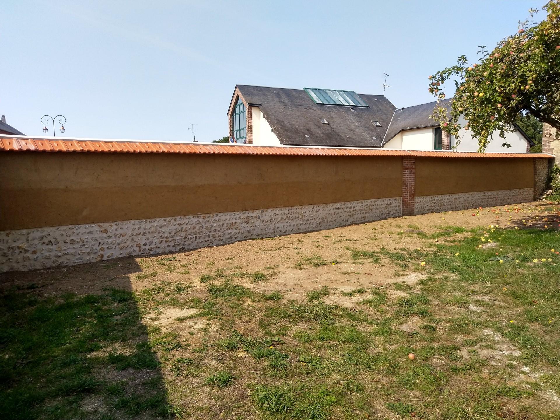 Mur en bauge face cour