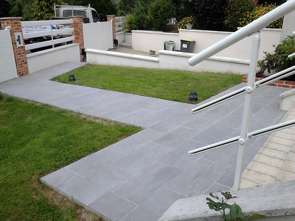 Carrelage ext rieur terrasse all e et trottoir for Pose pave exterieur