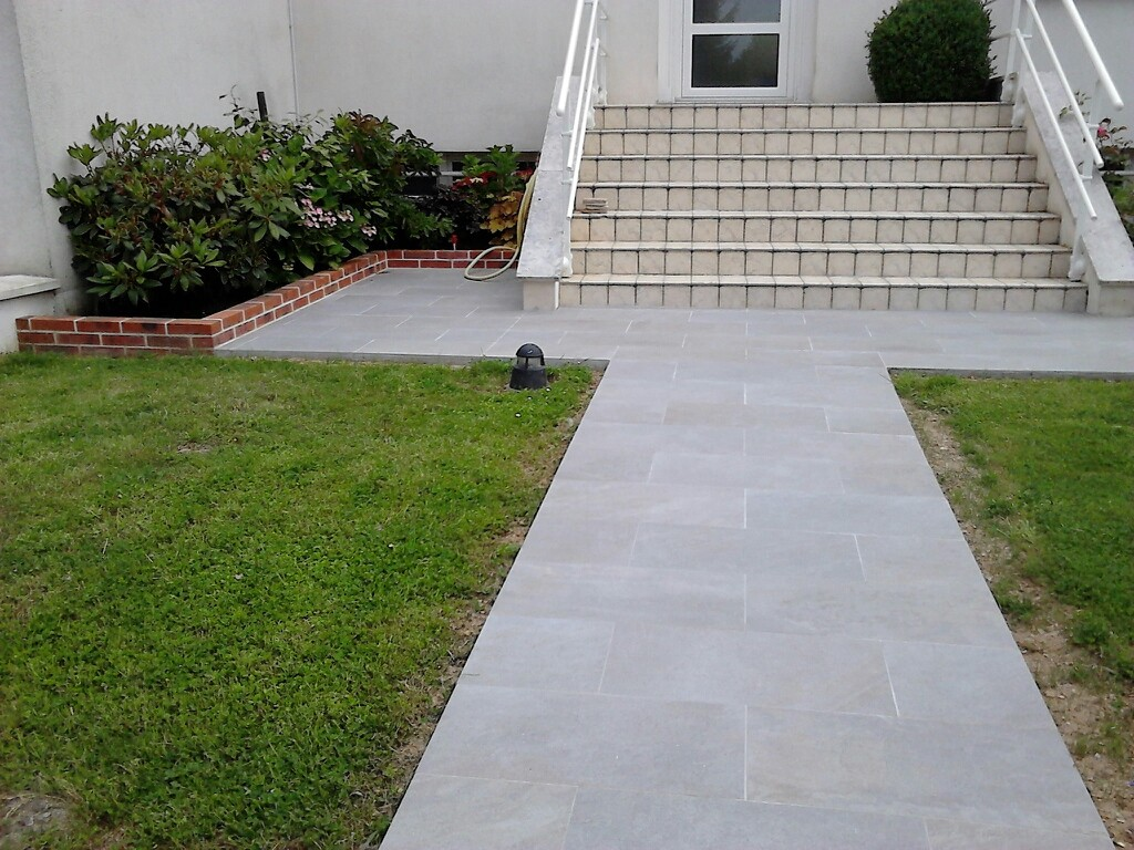 Carrelage ext rieur terrasse all e et trottoir for Carreler terrasse beton